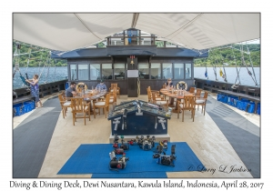 Diving & Dining Deck